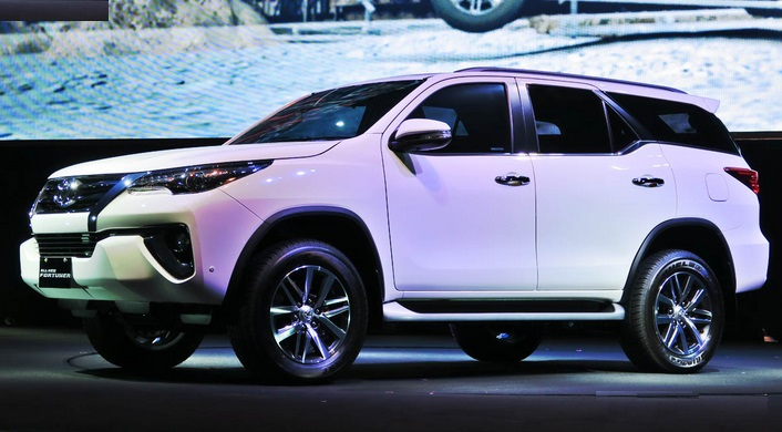 Luxury car toyota fortuner for marriage