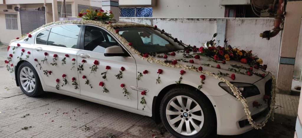 Luxury car on rent for marriage