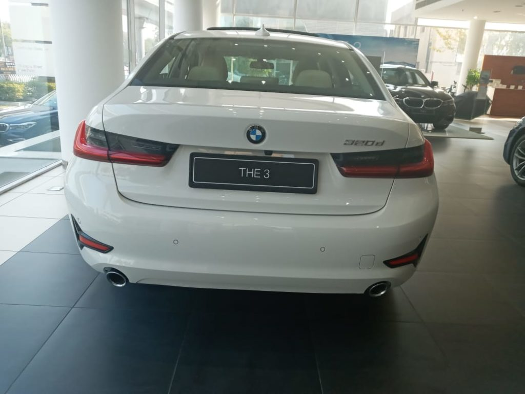 Book new BMW 3 series on rent in Bihar